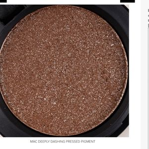 """MAC Pressed Pigment in """"Deeply Dashing"""""""